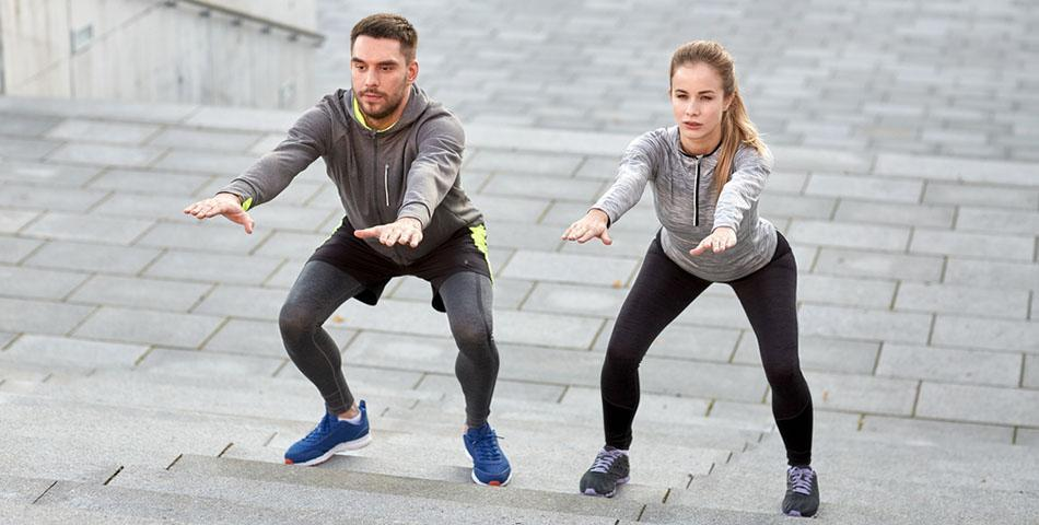Couple-Doing-Super-Workout